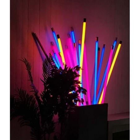 Tube Néon fluo colorés 134cm pour Décoration fluorescente tendance avec pieds